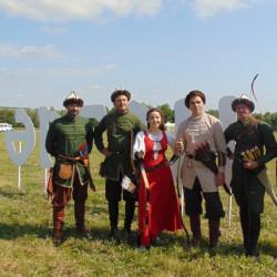 «Мэргэн-уксы» 5 июля Был дан старт III международного фестиваля конно-верховой  стрельбы из традиционного лука