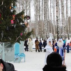 10 декабря самые юные и энергичные жители с. Иглино  собрались в парке им. Е. Иглиной, где прошло открытие ледового городка и районной новогодней ёлки.