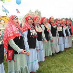 В Иглинском районе прошел традиционный и всеми любимый народный праздник Сабантуй. В этом году праздничные гуляния посетили более 3 тысяч человек.