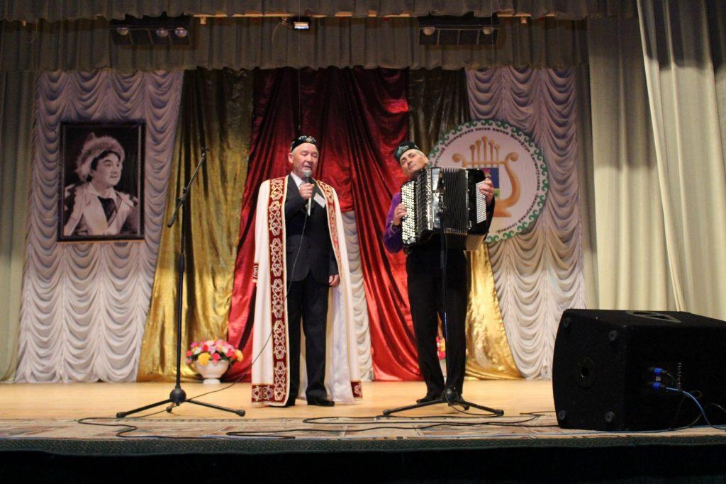 Конкурс исполнителей проводится в 3 дня всего заявлено 40 выступлений в первый день 18